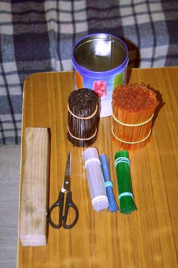Подставка для ножей: изоготовление своими руками с наполнителем из дерева