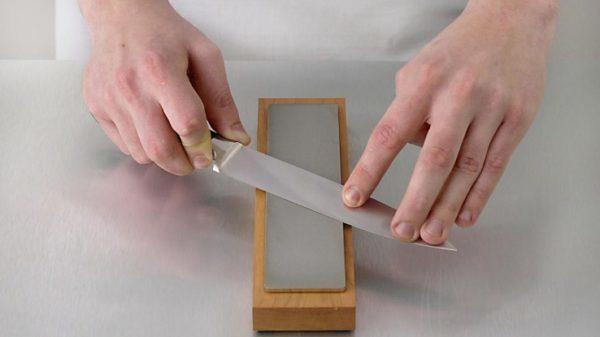 Как правильно наточить нож бруском вручную: правила