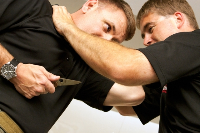 Ножи для самообороны - какой лучше: виды, критерии выбора, популярные модели