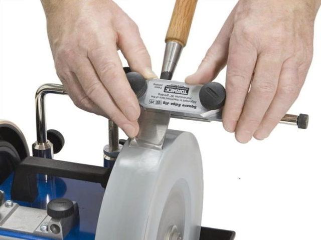 Заточка ножей на точильном станке: основные правила